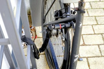 Fahrradschloss, Radschloss, abschließen, anschließen, Fahrrad Kamphaus