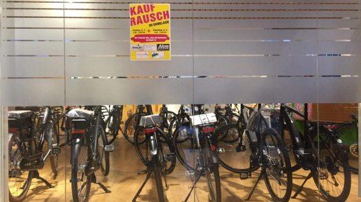 Kaufrausch, Räumingsverkauf, Sonderverkauf, Sonderangebote, reduziert, Fahrradmesse,